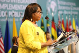 Carissa F. Etienne, directora de la OPS