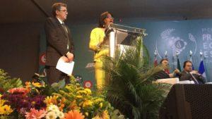 Dra. Carissa Etienne yDr. Diego González